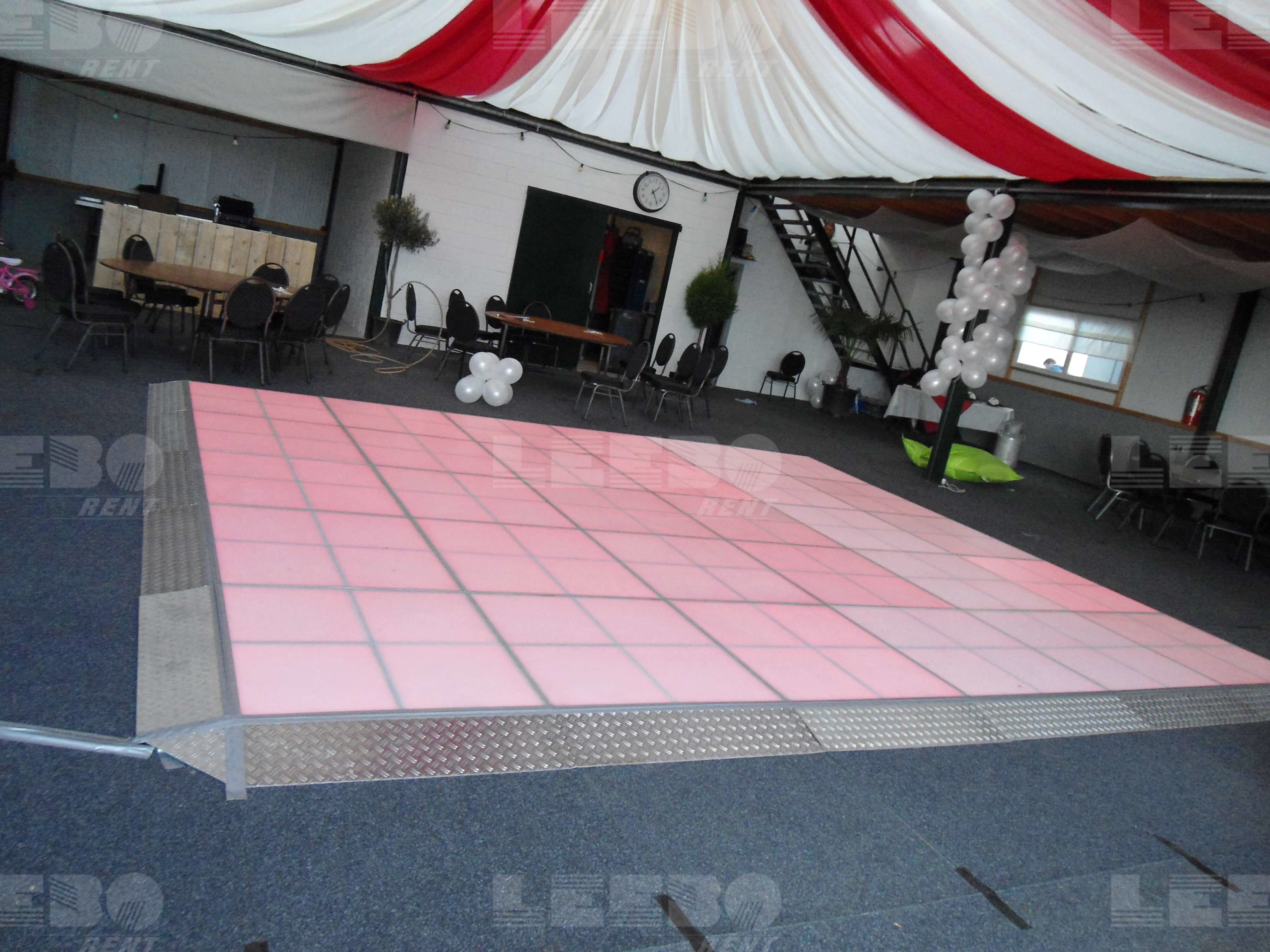 Saturday Night Fever bedrijfs evenement boek jesnel op leeborent